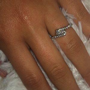 Jewelry - 14k WHITE GOLD DIAMOND RING